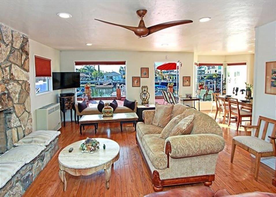 Living Room Ave U Menu 68392 H 228 User Zur Miete In Newport