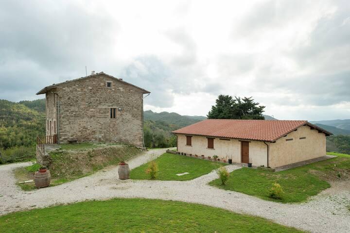 Pintoresca casa de campo en Gubbio con piscina