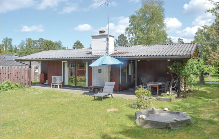 Holiday cottage with 2 bedrooms on 54m² in Græsted