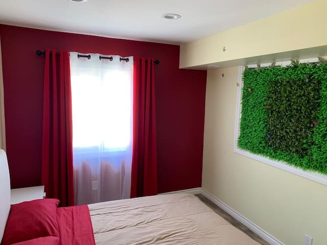 Comfortable private room number 5 near LAX airport