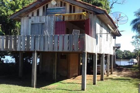 Casa beira rio Ivinhema para pescaria a 10mtdo rio