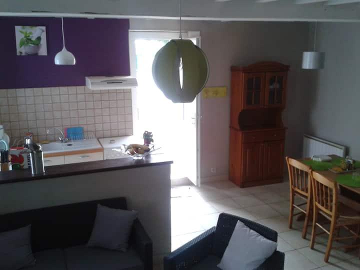 Petite maison rénovée proche de Caen
