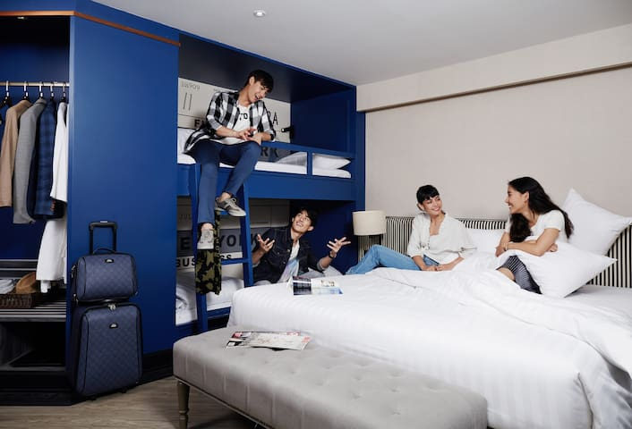 F2, Family , 4Adults , 1 King Bed, 1 Bunk Bed