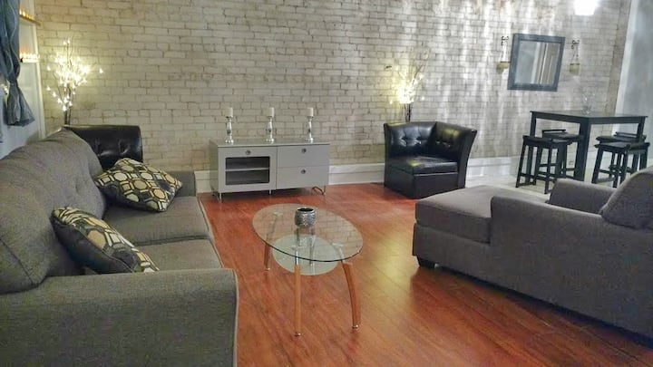 1 Bedroom apartment DOWNTOWN Kingston
