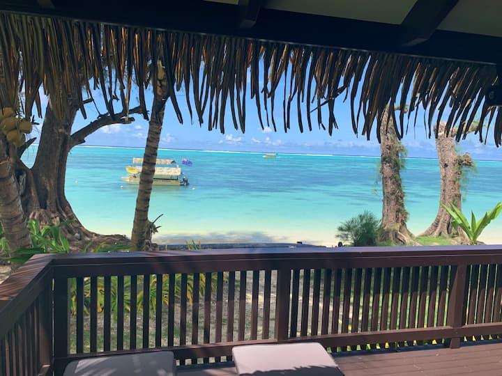 Muri Shores Absolute BEACHFRONT Villa D