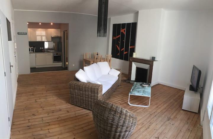 Appartement moderne idéalement placé