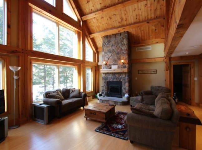 Cruiser Lake Halliburton 4 Season of fun - Dysart and Others - Zomerhuis/Cottage