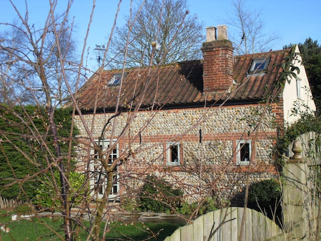 Charming Coast & Country Cottage - North Walsham - Haus