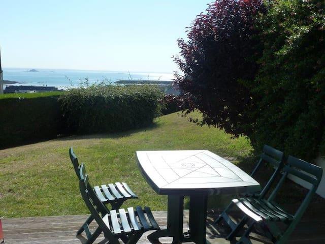 Superbe vue sur mer en rez-de-jardin