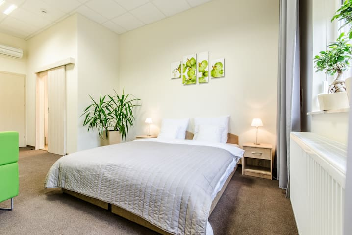 inCUBO Rooms and More n.Lublin S19 - Tomaszowice-Kolonia - Dormitorio para invitados