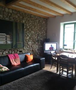 Liebevoll restauriertes Eifelhaus - Kerpen - Casa