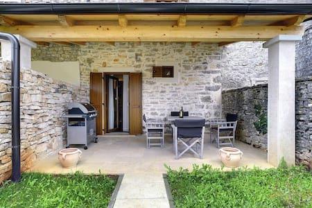 House Casa Gaia (74142-K1)