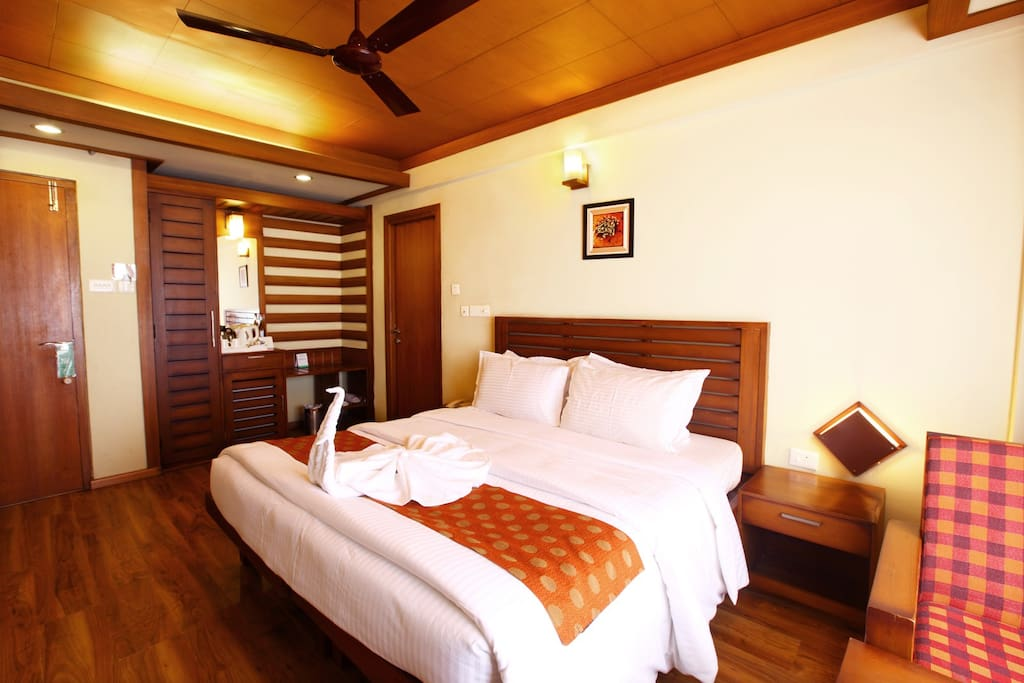Elegance room - Boutique hotels for Rent in Munnar, Kerala ...