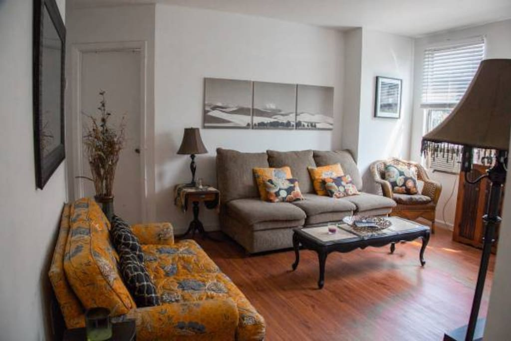 Fantastic Two Bedroom Apt W Perfect Location Apartments