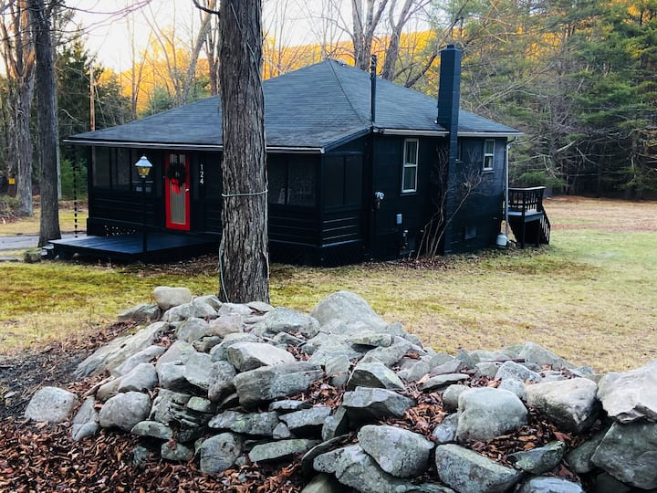Designer Catskills Cabina 2 hours from NYC!