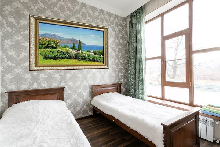 3rd Bedroom - Sleeps 2.