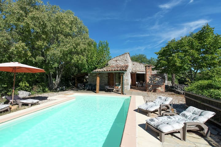 Cozy Holiday Home in Saint-Alban-Auriolles with Private Pool