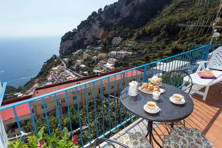 3.Beautiful Apartment with Sea Views - Amalfi - 아파트