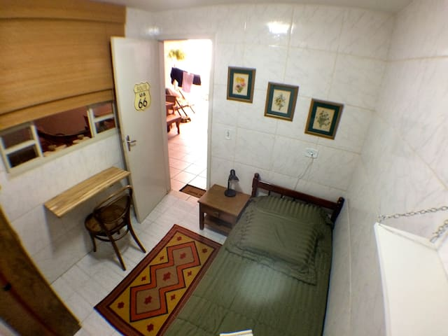 Room next to USP - Bathroom and Private Entrance - เซาเปาโล - บ้าน