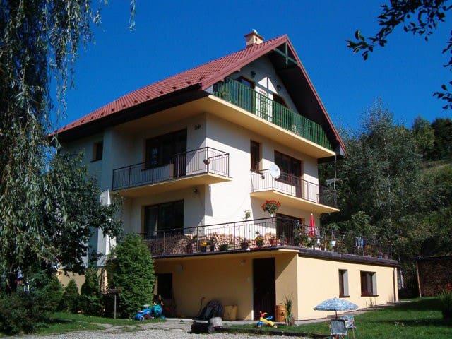Villa Mirabelka, B&B polish mountain style - Piwniczna-Zdrój - Aamiaismajoitus