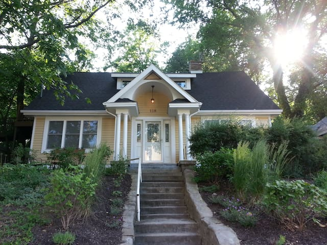 Lake Michigan Cottage:4br+Loft;3ba - Michigan City - Hus
