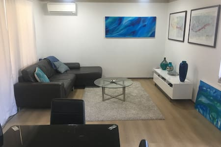 Fully Renovated South Perth Townhouse - South Perth