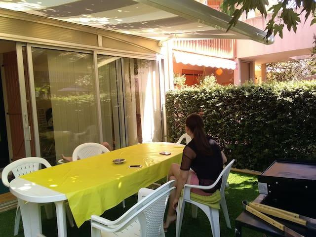 Appartement avec jardin, 2 ch , 4 lits, 45 m2