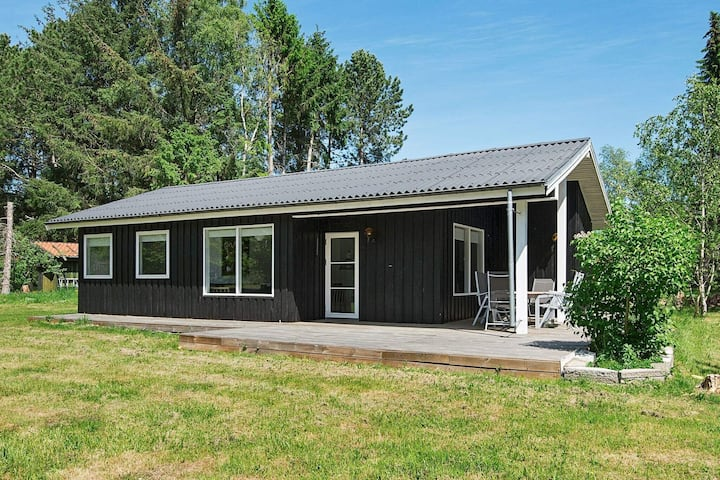 Tranquil Holiday Home in Ebeltoft with Barbecue