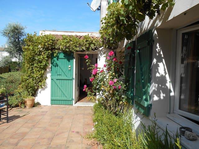 Maison de vacances 6 chambres + grd jardin