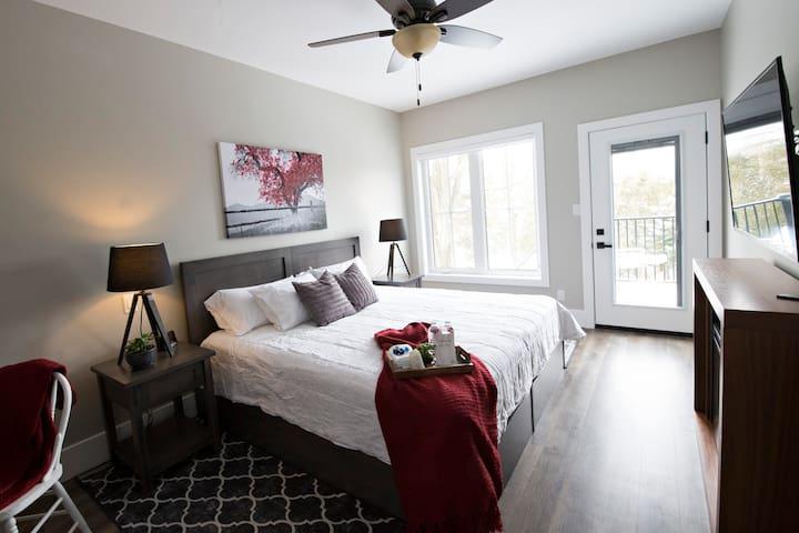 Apple Inn Bed and Breakfast Harvest Suite