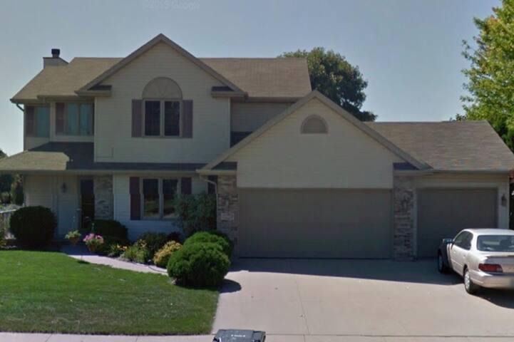Beautiful Kimberly home in quiet neighborhood