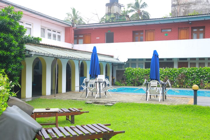 Beach View Rooms in Colombo/Mt'Lavinia