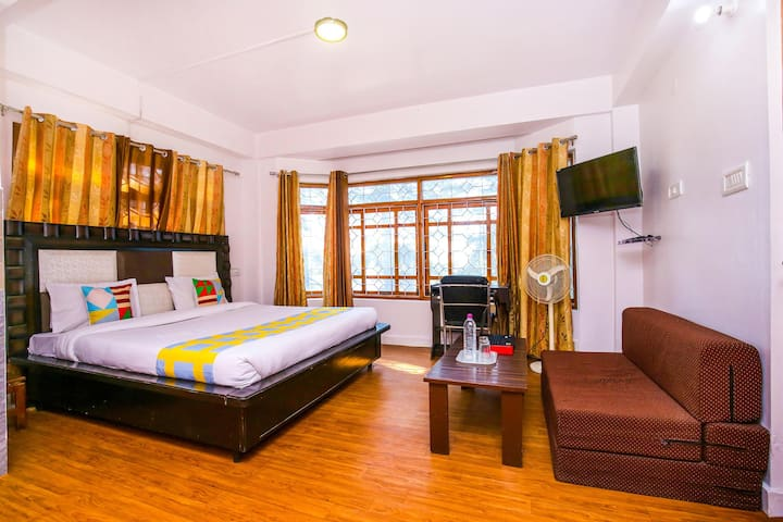 OYO - Special Deal - Modern Studio Apartment, Shimla