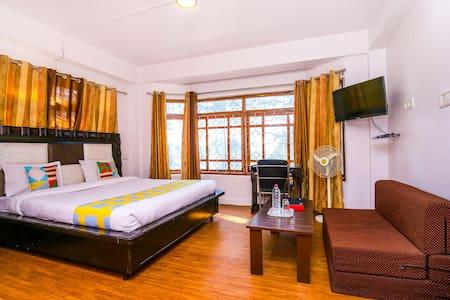OYO - Special Deal - Modern Studio Apartment, Shimla