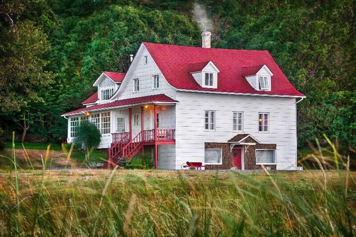 Maison ancestrale à louer en Gaspésie