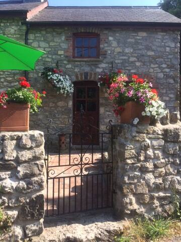 The Stable at Mount Pleasant. Llanrhidian SA31EH