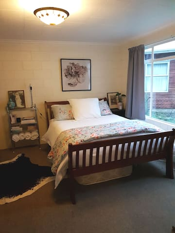 Slice of Comfort Te Anau- Private Entrance - Bthrm