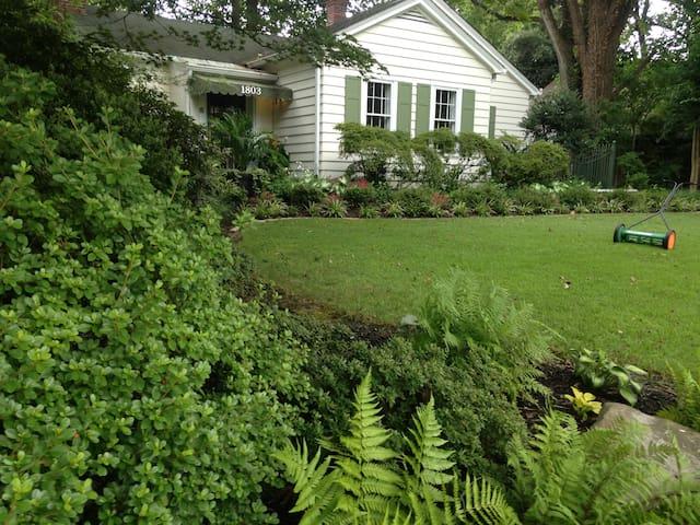 The Galloway Mansion Garden Cottage