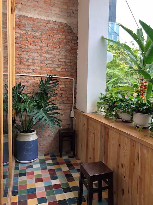 Balcony/ Sitting/ Smoking area