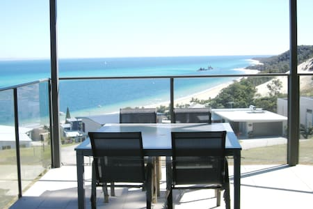Dolphinview  Apartments sleeps 17 in total comfort - Moreton Island