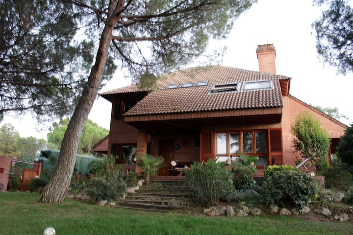 Bed & Breakfast in Boadilla del Monte (room 1)