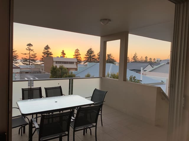 Port Lincoln City Apartment right in heart of CBD