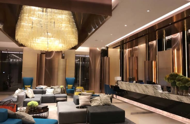 精品公寓-迪士尼乐园  昂坪360  大佛 机场