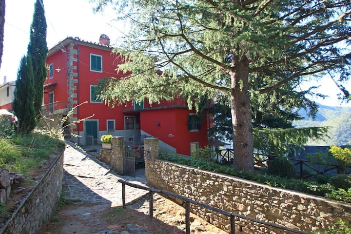 Casa del Gioco - House for 8, Views, Nature, Relax