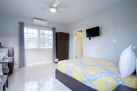 Unit #1 -Affordable Private Unit close to downtown