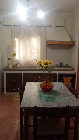 Villetta con giardino interno - Castelluzzo - Casa