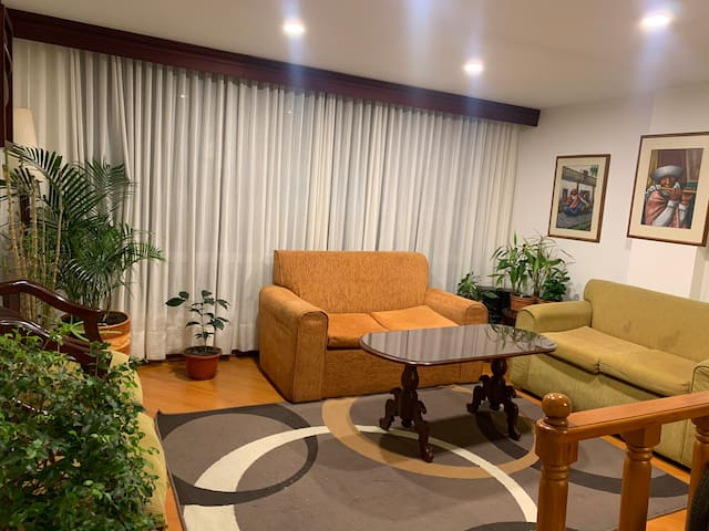 Apartamento Entero 2 hab. Excelente ubicación