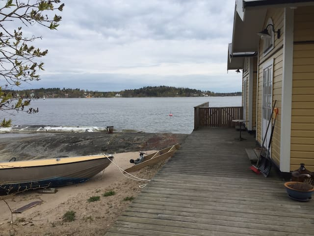 Strandhus på Norra Lagnö