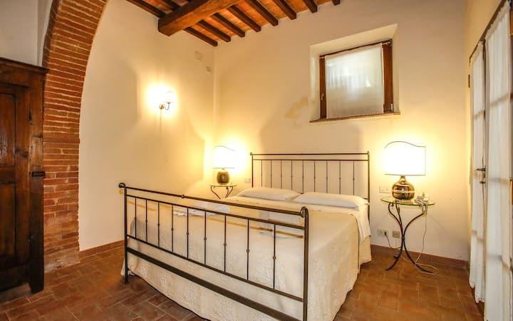 Archi · 2BR apt in Villa Castelletto, Sinalunga