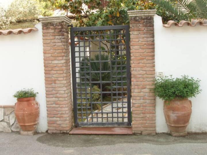 Villino  al Circeo in residence spazioso